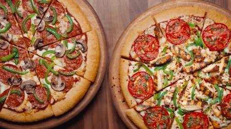 Triple Treat Pizza Hut